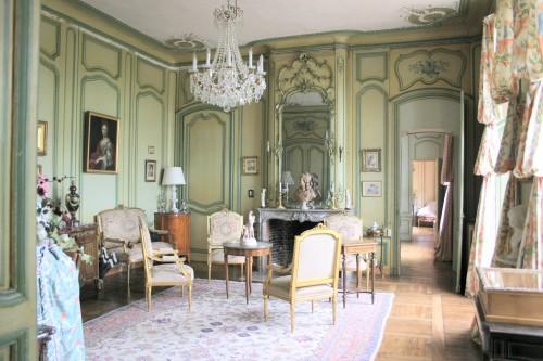 Le salon des arts du Château de mesnil Geoffroy